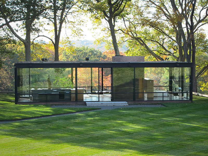 While Johnson S Ultimate Legacy In Architectural Circles Is As An Educator And Poriser His 1949 Glass House Iconic Enough A Work To Make It Into